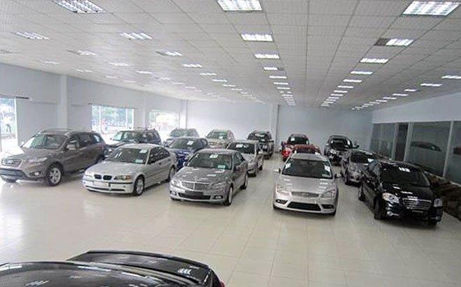 """Dân buôn xe cũ tính chuyện """"giải nghệ"""" vì giá ô tô giảm mạnh 1"""