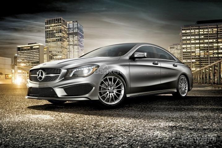 Mercedes-Benz CLA-Class 2018 gồm có 2 biến thể.