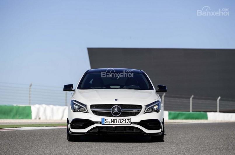 Đánh giá xe Mercedes-Benz CLA-Class 2018.