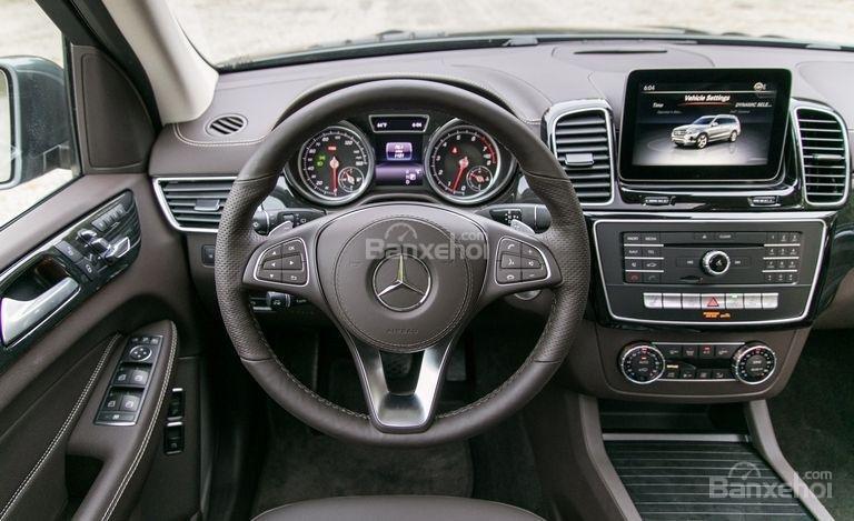 Hệ thống thông tin giải trí COMMAND trên xe Mercedes-Benz GLS Class 2018