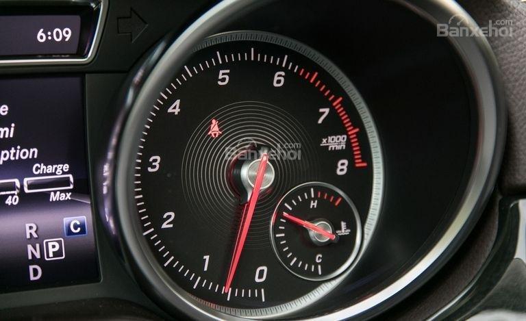 Bảng đồng hồ trên xe Mercedes-Benz GLS Class 2018 3