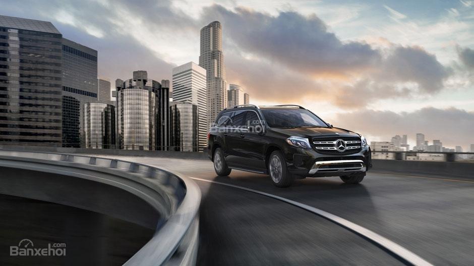 Đánh giá xe Mercedes-Benz GLS Class 2018 về cảm giác lái.