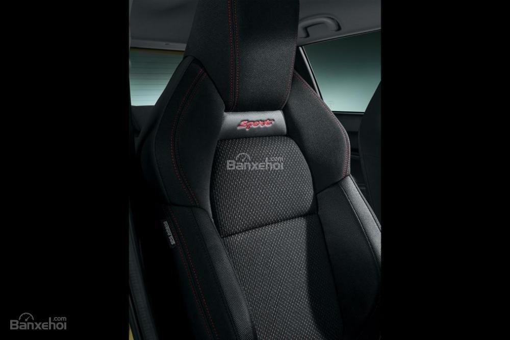 Đánh giá xe Suzuki Swift Sport 2018: Ghế ngồi thiết kế thể thao..