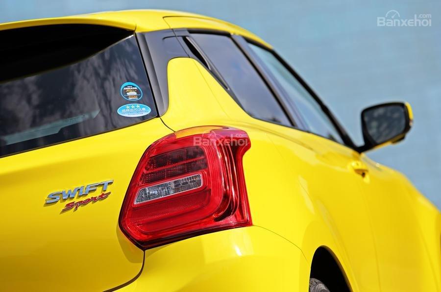 Đèn hậu xe Suzuki Swift Sport 2018