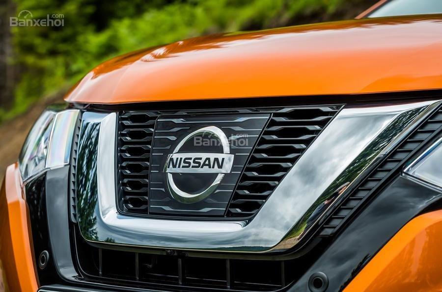 Lưới tản nhiệt Nissan X-Trail 2018