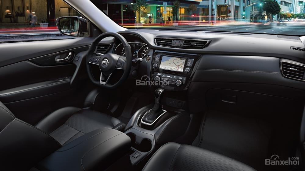Đánh giá xe Nissan X-Trail 2018 về bảng điều khiển trung tâm a1