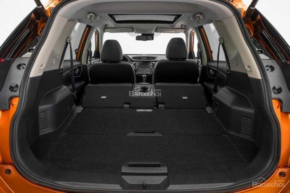 Đánh giá Nissan X-Trail 2018: Dung tích khoang hàng lý tăng khí gập hàng ghế sau a2