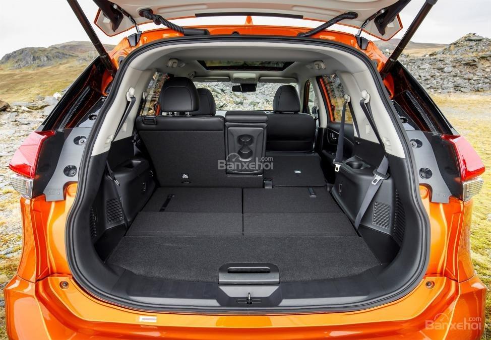 Đánh giá Nissan X-Trail 2018: Dung tích khoang hàng lý tăng khí gập hàng ghế sau a1