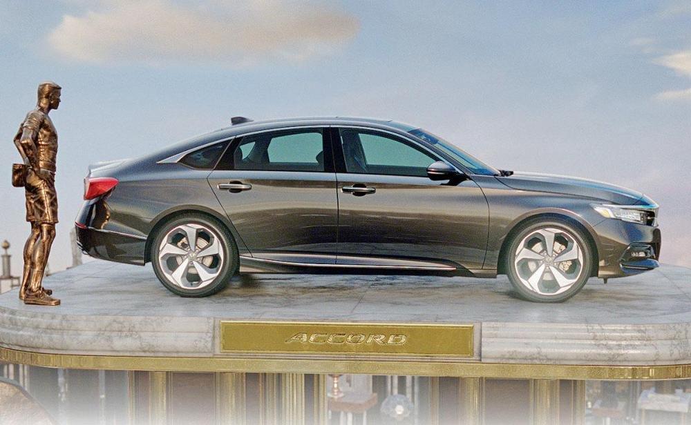 Tung chiêu tiếp thị mới: Toyota Camry và Honda Accord đã sẵn sàng bùng nổ 1