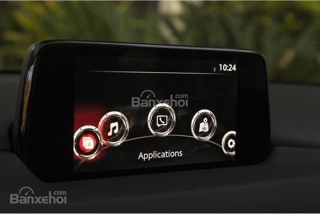 Màn hình cảm ứng trung tâm trên Mazda CX-5 2018