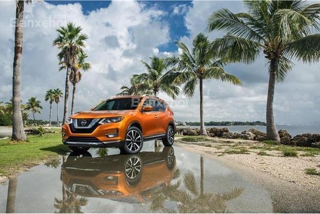 Nissan X-Trail  2018 tiết kiệm nhiên liệu hơn Mazda CX-5 2018.