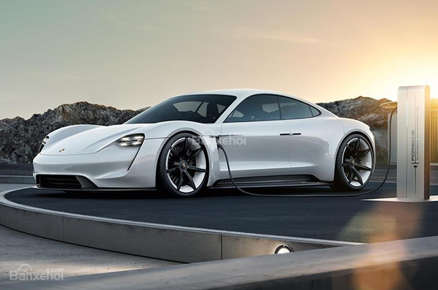 Porsche sẽ là một trong những hãng xe cuối cùng sử dụng vô lăng.