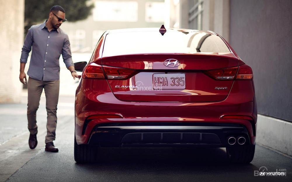 Đuôi xe Hyundai Elantra Sport 2018