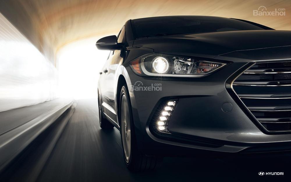 Hệ thống chiếu sáng trên Hyundai Elantra 2018