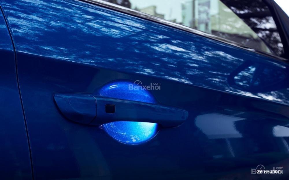 Tay nắm cửa Hyundai Elantra 2018