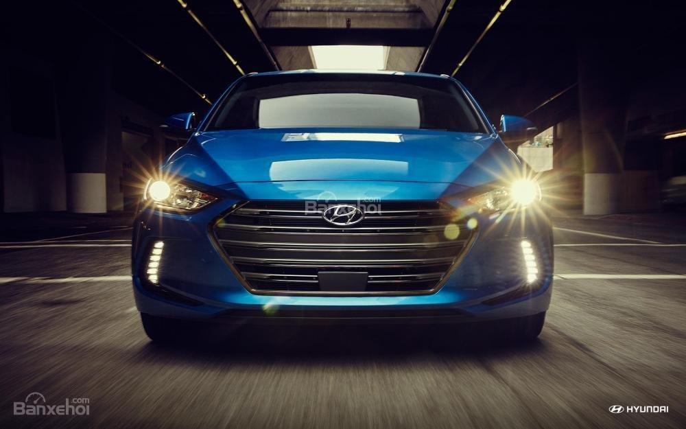 Đầu xe Hyundai Elantra 2018