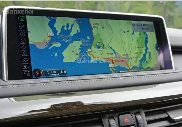 Đánh giá xe BMW X5 2017-2018: Xe được tích hợp bản đồ.