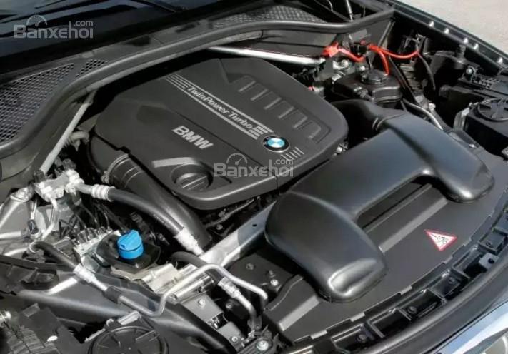 Đánh giá xe BMW X5 2017-2018: Xe được trang bị nhiều phiên bản động cơ.