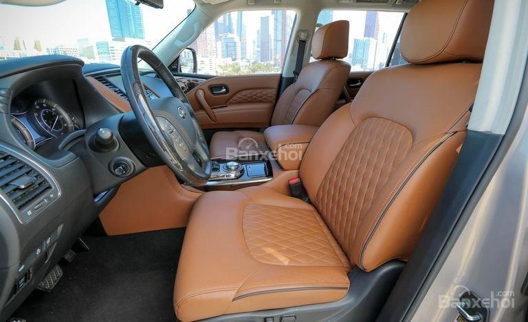 Đánh giá xe Infiniti QX80 2018: Hàng ghế đầu.