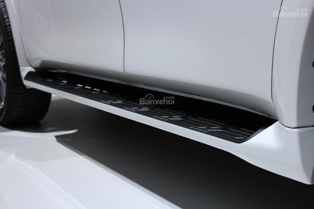 Đánh giá xe Infiniti QX80 2018: Bậc lên xuống.