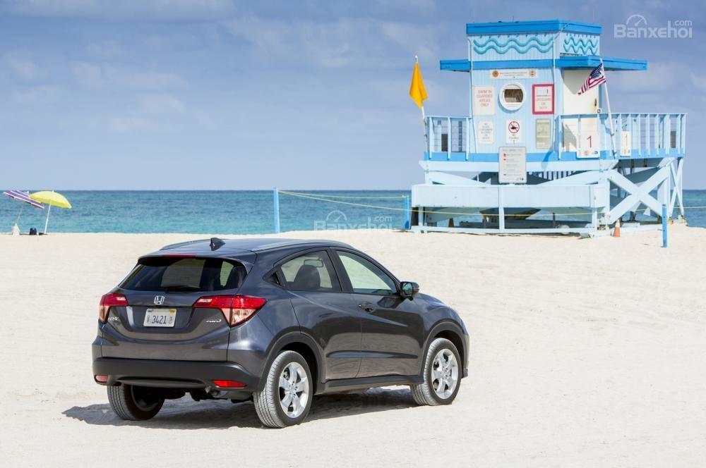 Honda HR-V 2018 - SUV có nội thất đẹp, tiện nghi và trải nghiệm lái ấn tượng .