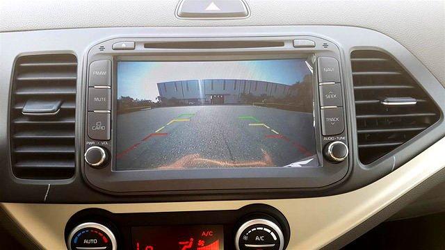 Ảnh chụp màn hình cảm ứng xe Kia Morning S 2018