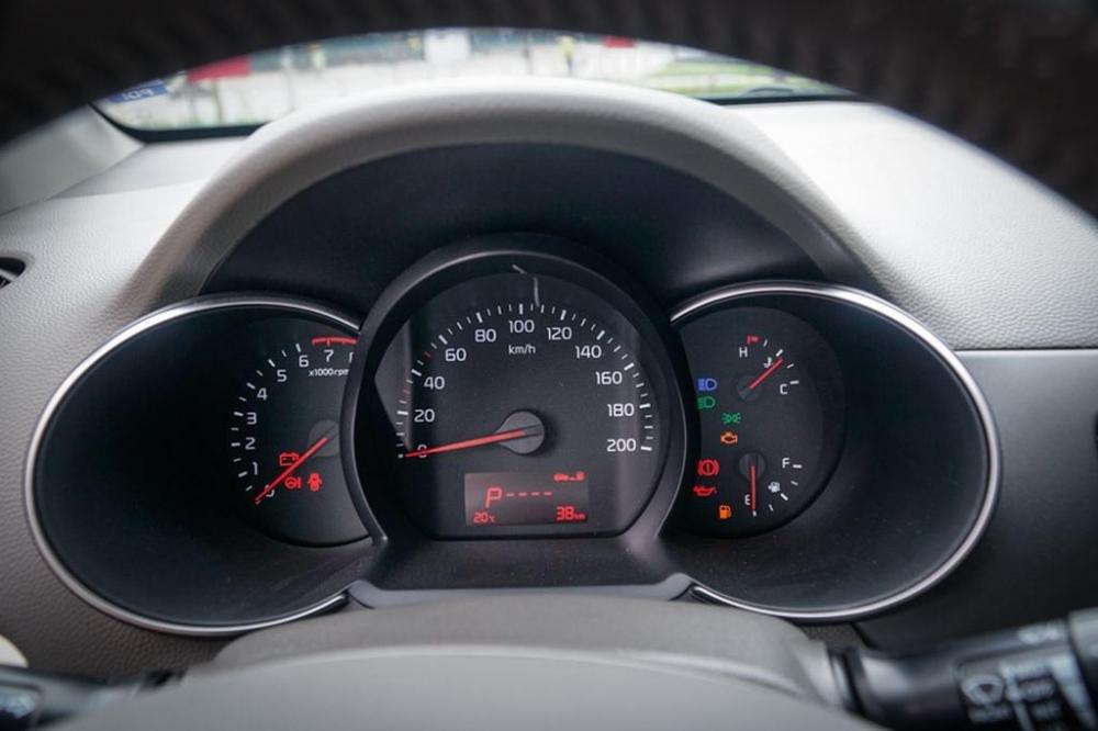 Hình ảnh cụm đồng hồ xe Kia Morning S 2018