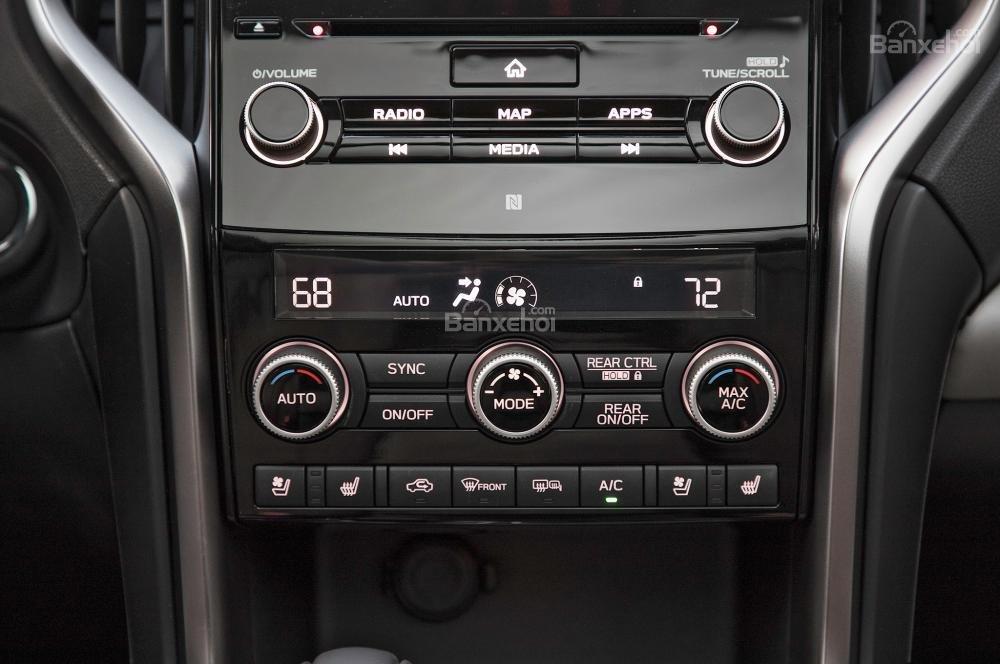 Khu vực điều khiển trung tâm trên xe Subaru Ascent 2019
