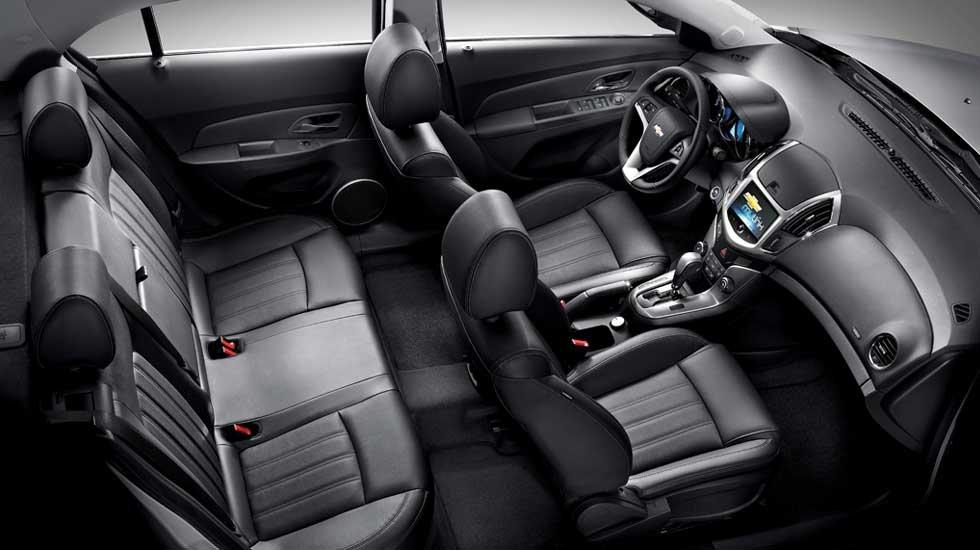 Nội thất trên Chevrolet Cruze 2020 rộng rãi a5