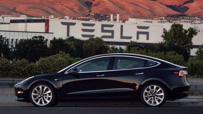Tesla Model 3: Đỉnh cao vinh quang hay nỗi ê chề cần quên lãng? 2