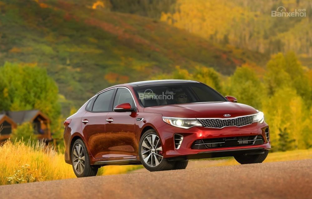 So sánh xe Hyundai Sonata 2018 và Kia Optima 2018 về độ tin cậy.