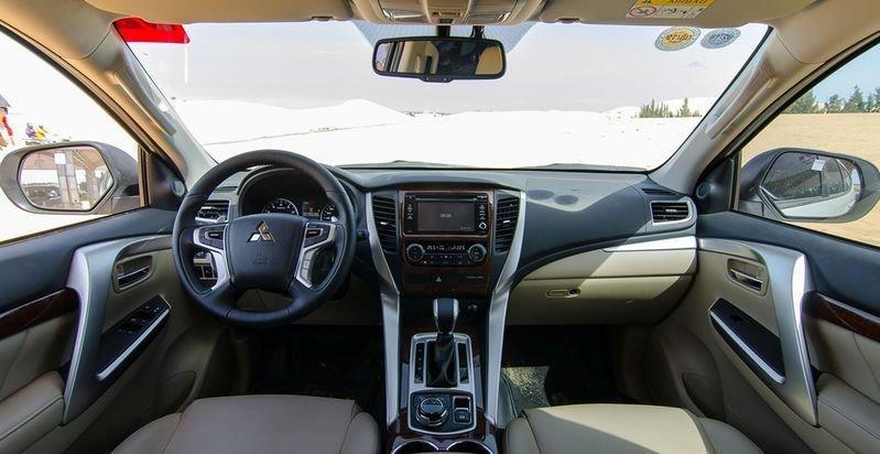 Nội thất xe Mitsubishi Pajero Sport 2020 a4