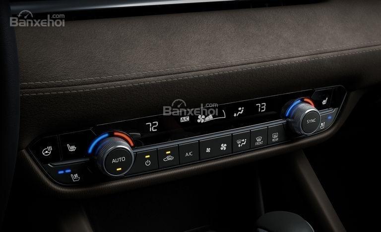 Đánh giá xe Mazda 6 2018: Bảng điều khiển.