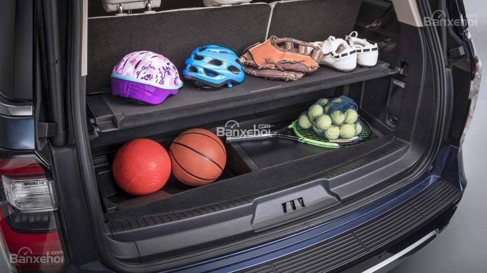 Đánh giá xe Ford Expedition 2018 về khoang hành lý