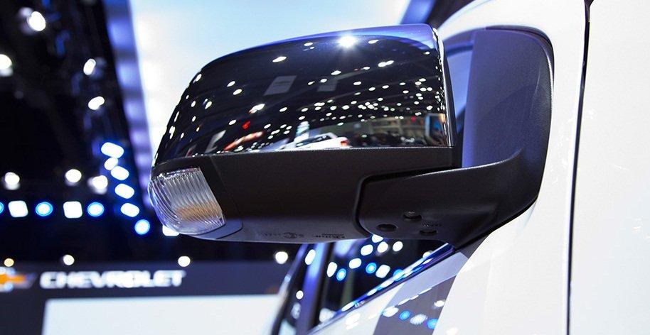 Ảnh chụp gương xe Chevrolet Trailblazer 2018