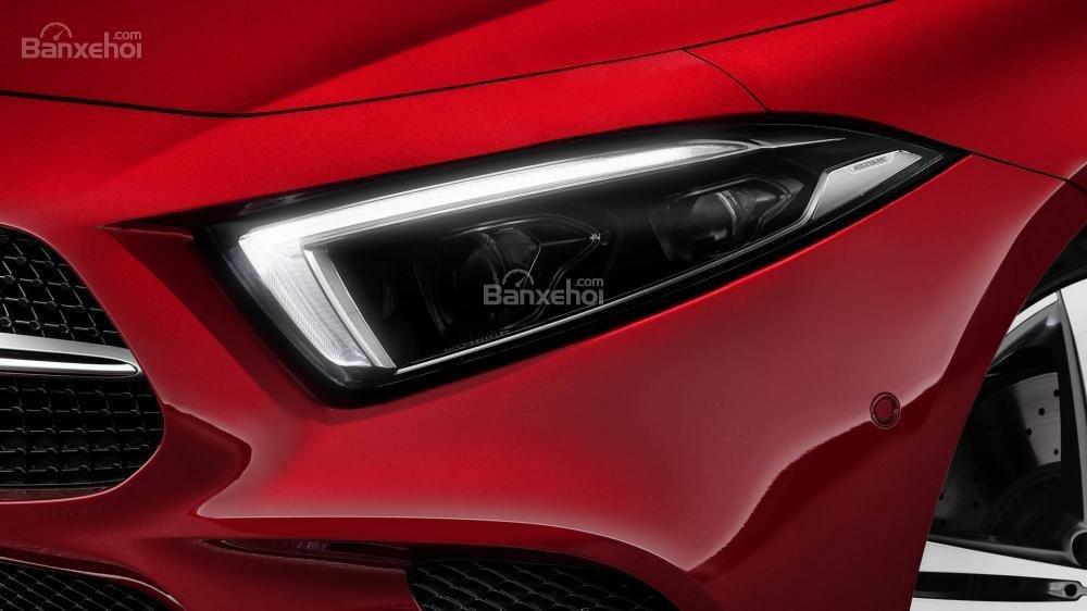 Dải đèn LED chạy ngày xe Mercedes-Benz CLS 2019