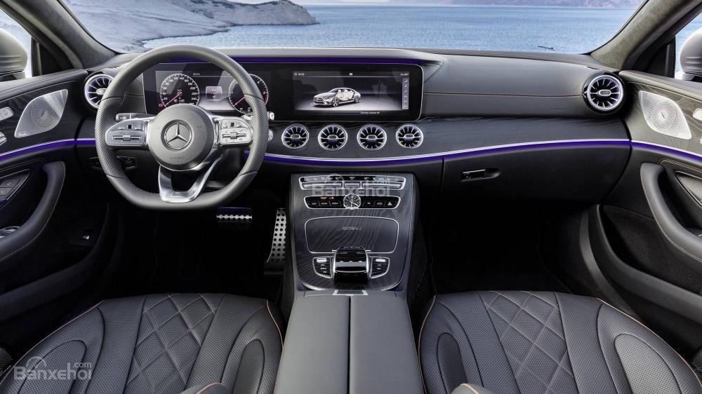 Đánh giá xe Mercedes-Benz CLS 2019 về bảng táp-lô.