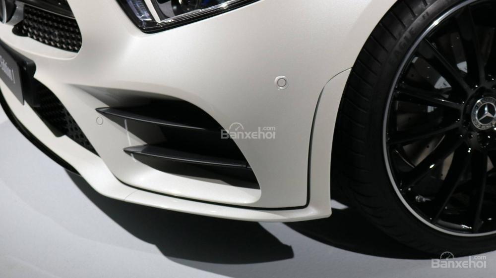 Hốc hút gió bên xe Mercedes-Benz CLS 2019.