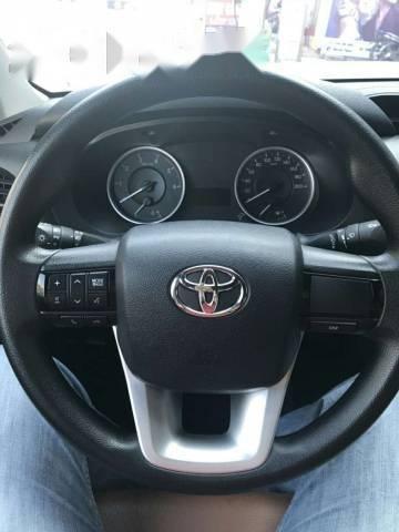 Bán Toyota Hilux 2.5E đời 2016, màu bạc như mới-4