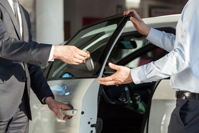 Cẩn thận trước và sau khi thuê xe ô tô tự lái