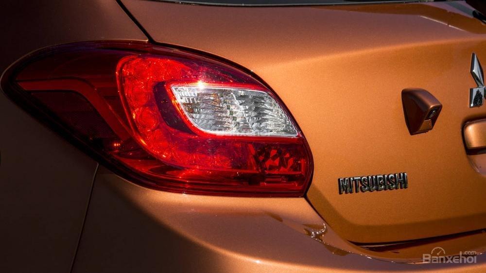 Đèn hậu xe Mitsubishi Mirage 2018