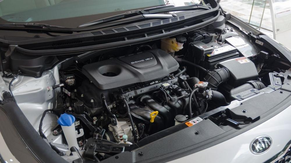 So sánh khả năng vận hành của xe Toyota Vios 2017 và Kia Cerato 2017.