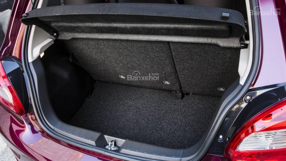 Khoang hàng lý xe Mitsubishi Mirage 2018