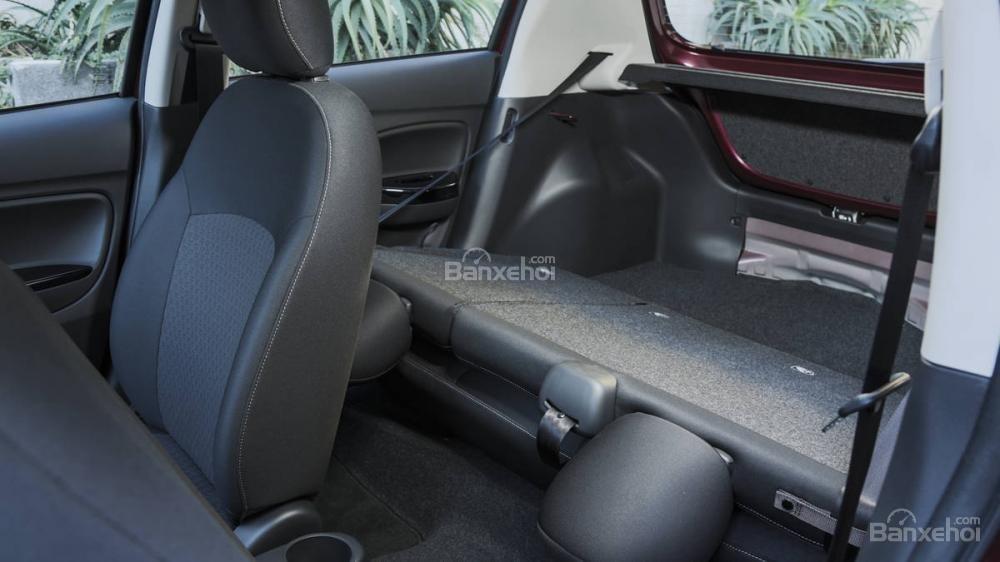 Hàng ghế sau xe Mitsubishi Mirage 2018