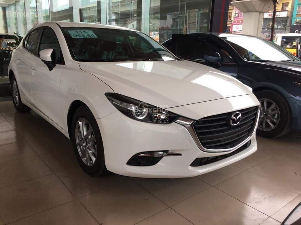 Bán Mazda 3 Facelift năm sản xuất 2019 - Giảm tiền mặt lên đến 20tr - Vay trả góp 85%, lãi suất tốt - LH: 0961.122.122-0