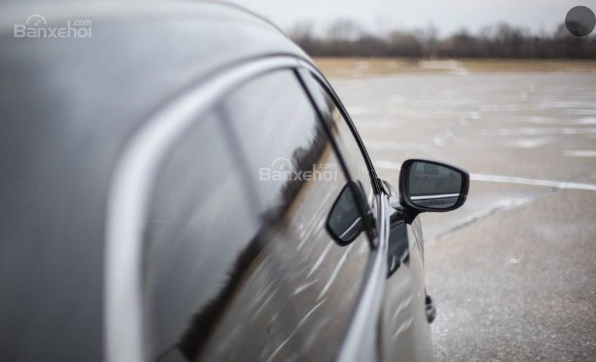 Mazda CX-9 2018 sở hữu gương chiếu hậu tích hợp đen xi nhan.