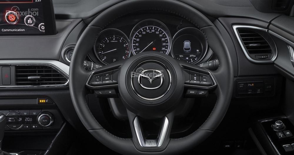 Đánh giá xe Mazda CX-9 2018: Vô lăng bọc da.