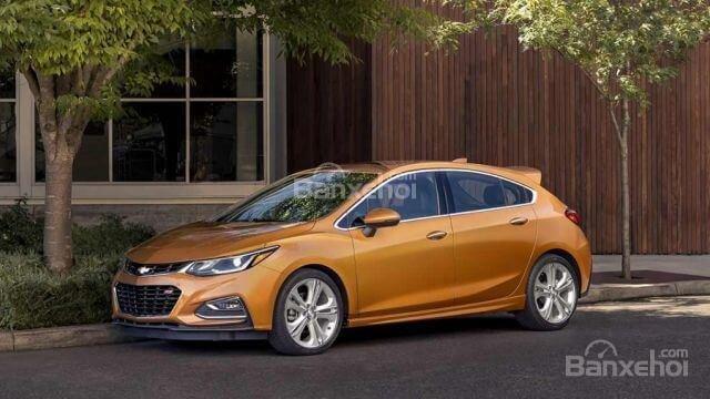 Đánh giá xe Chevrolet Cruze hatchback 2018 về thiết kế ngoại thất a1