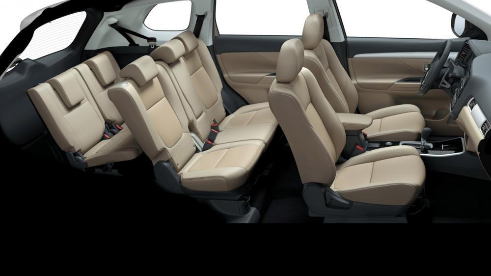 Ảnh chụp ghế xe Mitsubishi Outlander 2018 bản 7 chỗ