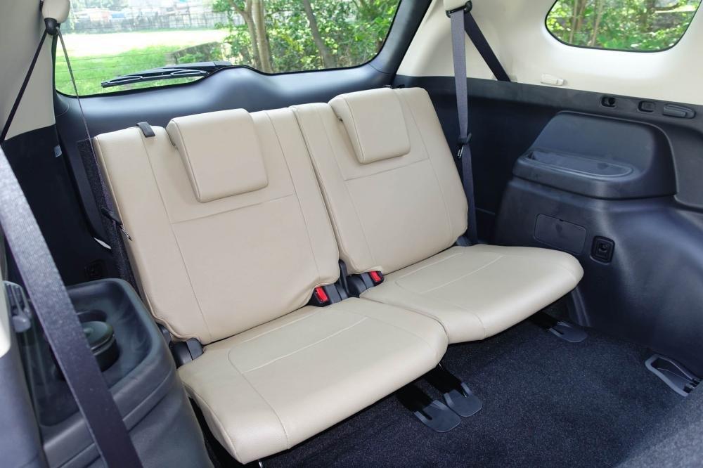 Ảnh hàng ghế 3 xe Mitsubishi Outlander 2018 bản 7 chỗ